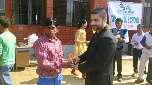 Dr. Arnab Gupta Distribute prize